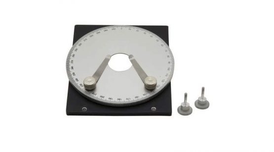 Rotating table for polarising set